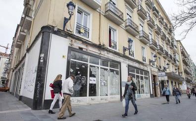 CaixaBank ocupará el local del antiguo concesionario de Autogomas en Pombo