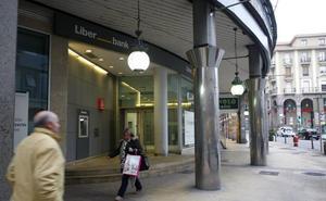 CC OO exige la «readmisión» de los seis trabajadores, cuatro en Cantabria, despedidos en Liberbank
