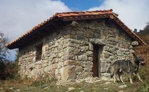 Campoo de Yuso rehabilita la cabaña ganadera de Orzales