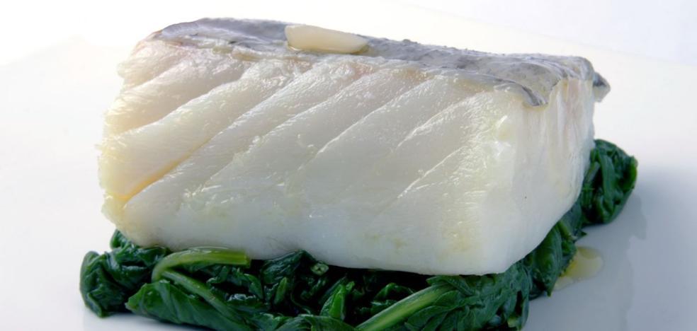 Crema de bacalao con crujiente de espinacas