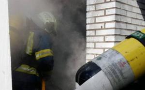Explosión e incendio en una caseta de bombonas de butano de un camping de Noja