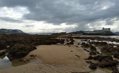 El Cantábrico vive una de las mareas más fuertes del año