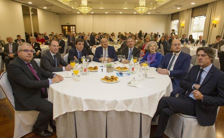 Asistentes al Foro Económico de El Diario Montañés