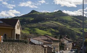 Caminando por las Tetas de Liérganes y el Pico Levante