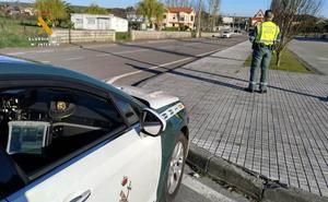 La Guardia Civil sorprende a dos conductores superando en más de 100 y 90 Km/h la velocidad máxima permitida