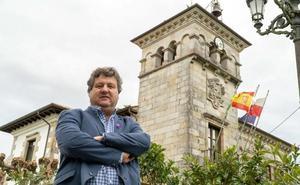 PRC, PSOE y AIPC acusan al alcalde de Cayón de tratar de dilatar su juicio por prevaricación