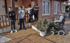 Los desalojados de San Mateo cumplen dos meses esperando una solución que no llega