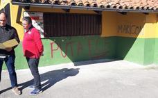 Cartes amanece con las instalaciones deportivas del Ansar llenas de pintadas