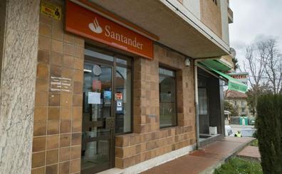 El Santander cifra en 150.000 euros el desfalco en la oficina de Solórzano