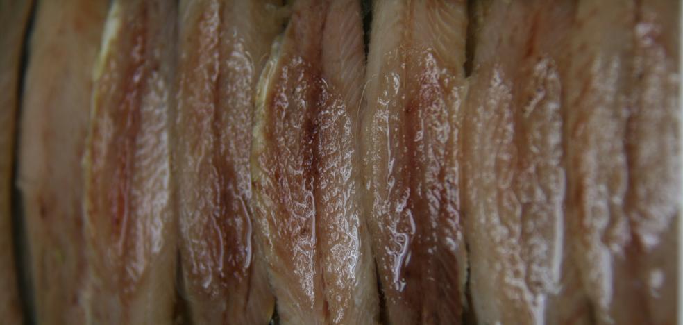 Comienza la cata de los pinchos con anchoa