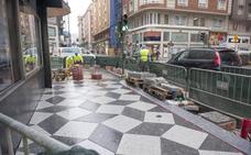 El diseño de las nuevas aceras cambia la fisonomía de la calle Isabel II