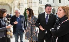 Humoristas gráficos muestran su «crudo panorama» en el Parlamento de Cantabria