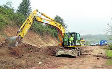 La nueva carretera de acceso a El Soplao desde Celis comienza a tomar forma