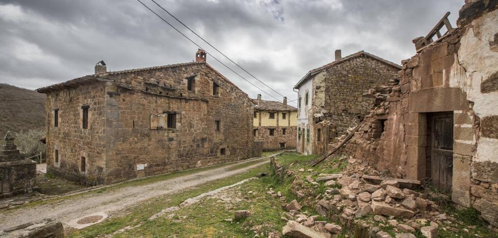 Veinticuatro municipios de Cantabria están en riesgo de quedarse vacíos