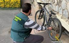 La Guardia Civil atrapa al ladrón que reventaba bares de la comarca del Besaya yendo en bicicleta