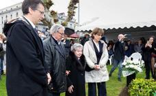 La ministra de Justicia apela en Laredo a la «obligación moral» de recordar a las víctimas del franquismo