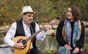 Marcos Bárcena y Alba Gutiérrez unen sus voces para homenajear al folclore