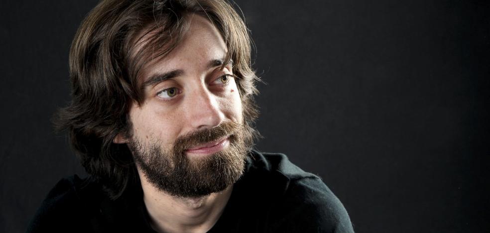 Juan Gómez Bárcena: «Quizás éste no sea mi libro más perfecto, pero sí el más puro»