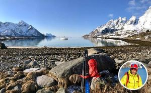 La aventura de esquiar desde un velero en Noruega
