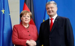 Merkel recibe a Poroshenko una semana antes de las elecciones de Ucrania