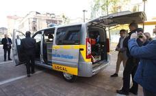 Torrelavega incorpora durante mes y medio una furgoneta-radar para controlar los excesos de velocidad