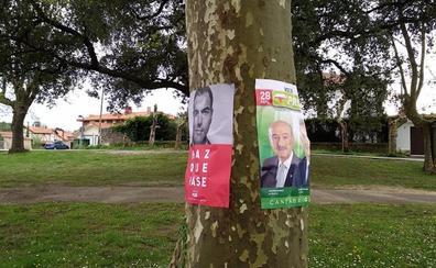 Ciudadanos denuncia a PRC y PSOE por poner carteles electorales en árboles de Ribamontán al Monte