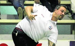 Carlos García tiene una oferta de la peña de Iguña y Roper piensa en Domínguez como sustituto