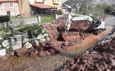Los Corrales reconstruye las escolleras dañadas en Barros