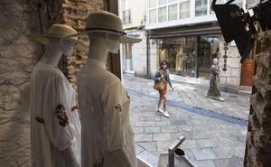 El pequeño comercio abrirá mañana y el sábado tarde para aprovechar el turismo