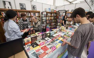 Leonardo Padura, Julio Medem, Cristina Morales y Ramón Lobo, en una Feria del Libro muy cinéfila