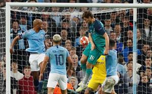 El Tottenham sale triunfal de una noche loca en Mánchester