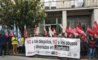 Liberbank convoca a los sindicatos para hablar de la fusión y las plantillas