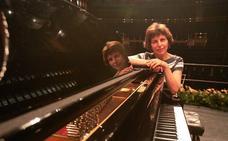 Marta Gulyás y Melinda Scholz actúan en el concierto solidario de 'Amigos de Thillene'