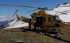 Rescatado un montañero con una luxación de hombro en el Pico Valdecoro