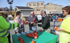 Camargo finaliza el reparto de los primeros mil embudos para fomentar el reciclaje de aceite de cocina