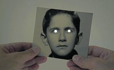 Hevia abre en PHotoEspaña su 'Curso de hipnotismo por correspondencia'