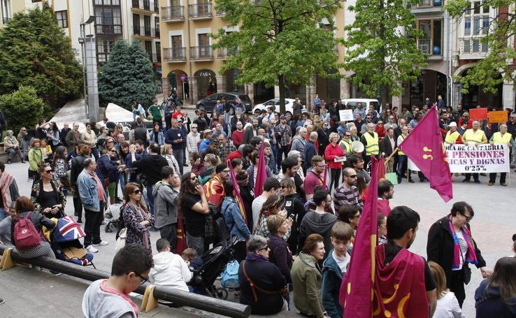 Torrelavega se manifiesta el 1 de Mayo