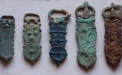Los broches visigóticos de Las Penas, pieza del mes del Mupac