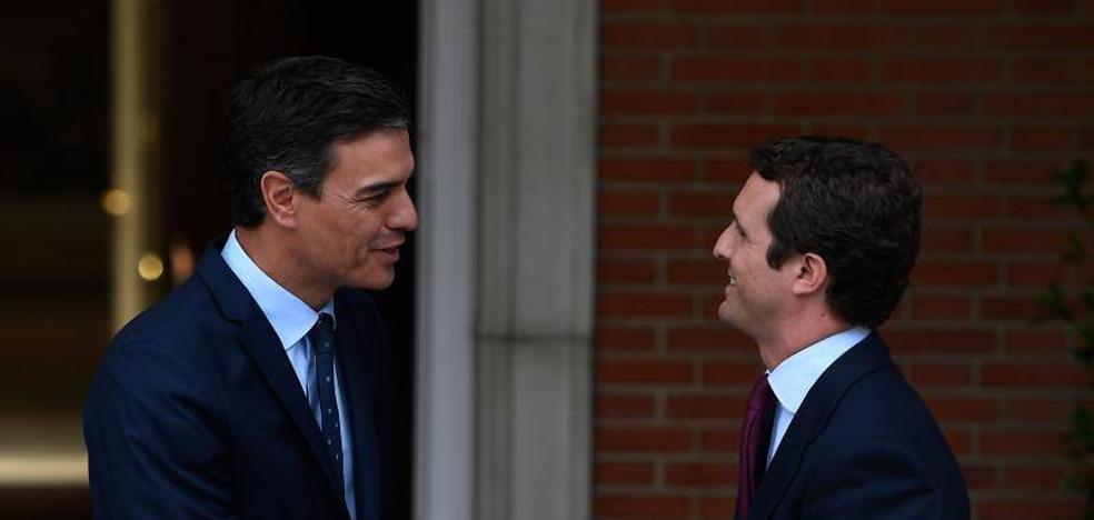 Casado alienta un pacto de Sánchez y Rivera para sacar adelante la investidura