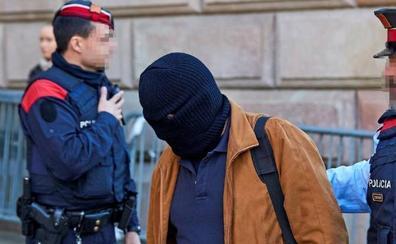 La Audiencia de Barcelona aplaza el ingreso en prisión del pederasta de los Maristas