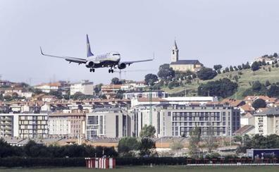 Aterriza de urgencia en Santander un vuelo Málaga-Dusseldorf por un conflicto a bordo