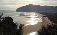 Cantabria volverá a lucir once banderas azules en sus playas
