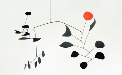 Un inédito Calder, artífice de la escultura móvil, tomará desde junio el Centro Botín