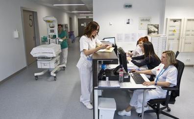 El gran despliegue de las oposiciones de enfermería pone en un brete al hospital