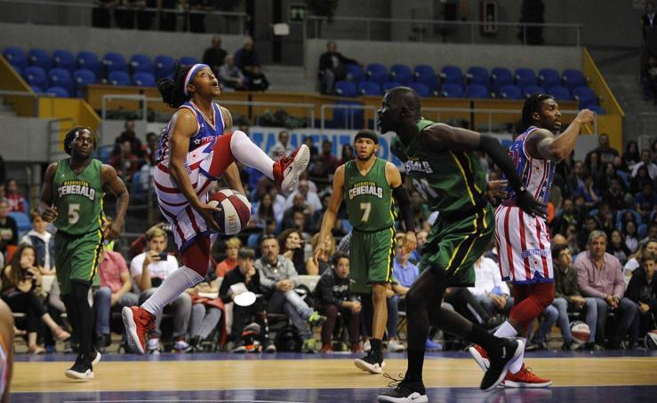 Los Harlem Globetrotters y su puro espectáculo de basket y malabares en Santander