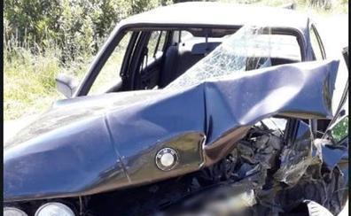 Herida de gravedad una joven de 22 años en una colisión frontal en Heras