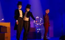 La faceta más teatral de Love of Lesbian sale al escenario