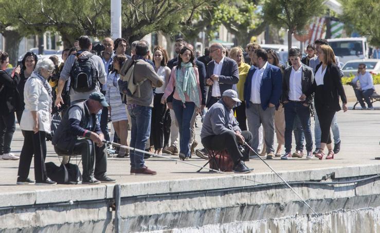 Inés Arrimadas, de cañas por Santander