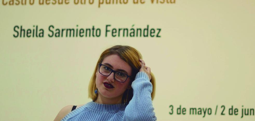 La joven diseñadora Sheila Sarmiento viste la tradición de Castro