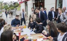 Casado mantiene un encuentro con empresarios de Cantabria